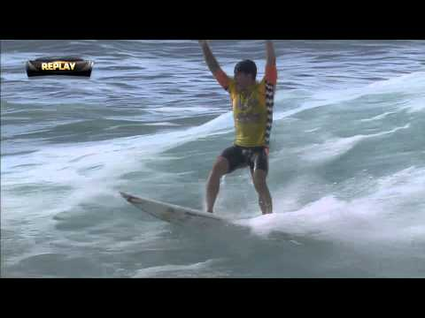 Medina's Perfect 10 on a Perfect Day - 2014 Billabong Pipe Masters