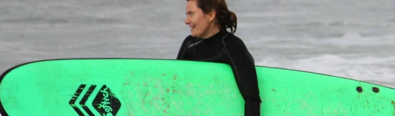 Aprender a surfear con 50 años