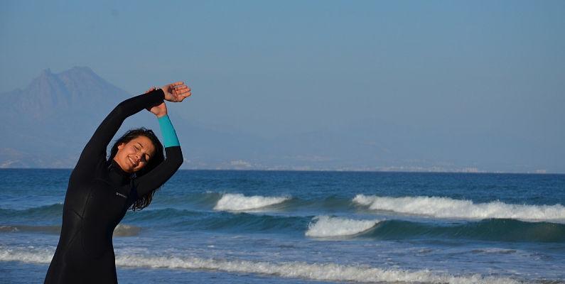 que es el swell, olas y surf (y elena estirando, jajaja)